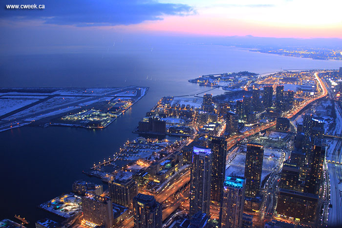 Toronto at night is so beautiful. This picture was made from CN Tower ...